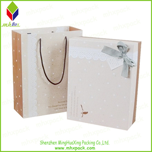 Delicate Rigid Paper Packaging Gift Bag